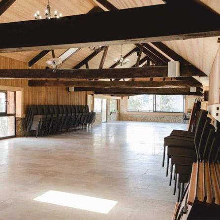 photo d'une salle de réception du château de la Palud